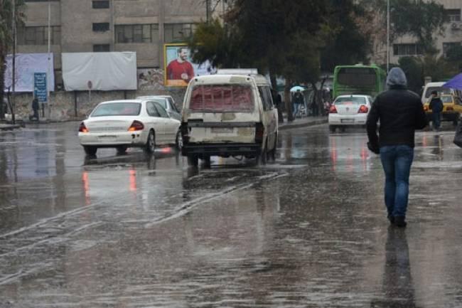 الأمطار الغزيرة تستمر اليوم ومنخفض جديد يوم السبت