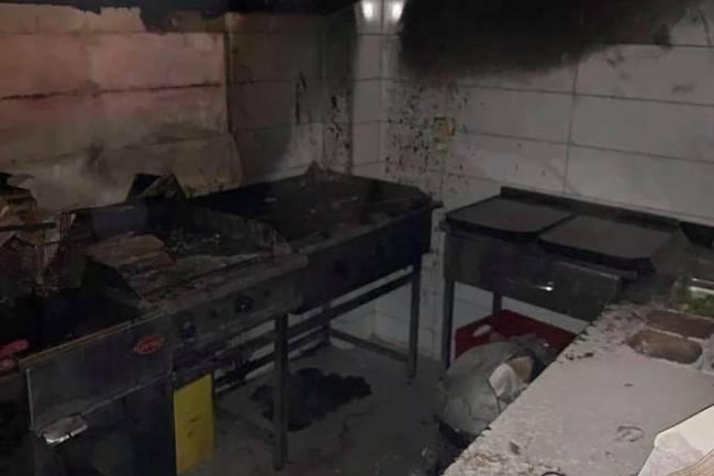 بالصور : حريق كبير في أحد مطاعم منطقة الشعلان بدمشق