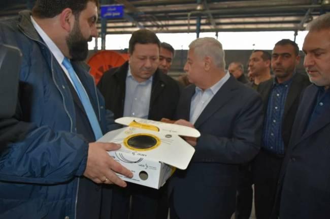 وزير الصناعة يتفقد منشآت عدرا الصناعية ويبحث واقع عملها ومشاكلها