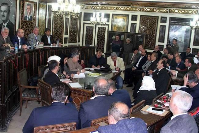 وقف توزيع مازوت التدفئة  والآلية الجديدة لتوزيع الغاز تطغى على الجلسة الأخيرة لمجلس محافظة دمشق