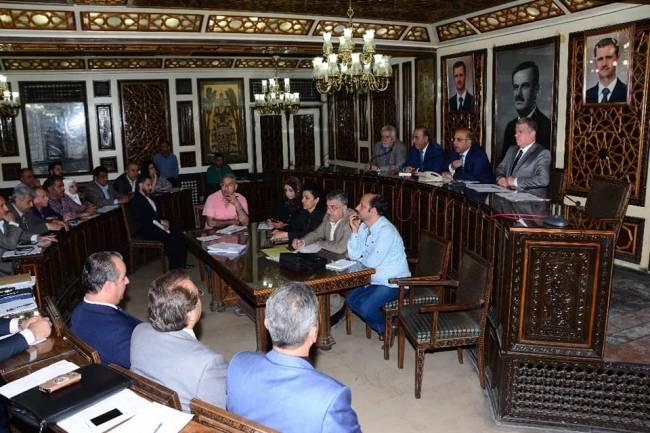 أعضاء مجلس محافظة دمشق يطالبون بتفعيل استثمار أملاك المحافظة وخاصة نادي المحافظة