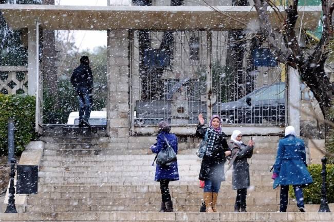 منخفض جوي بارد يؤثر على سورية غداً وتحذيرات من عاصفة استوائية نهاية الأسبوع
