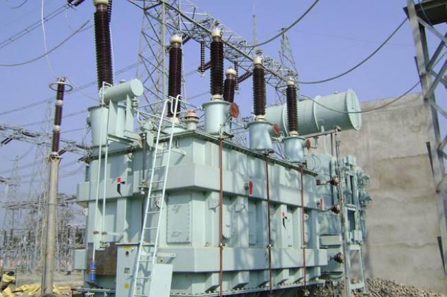 اللجنة الاقتصادية توصي باستيراد محولات كهربائية رغم تصنيعها محلياً !