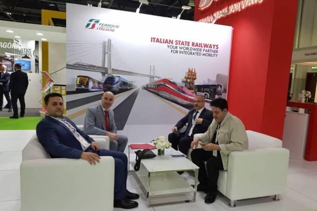 النقل تعرض مشروع قطار الضواحي للاستثمار في مؤتمر بدبي وشركة إيطالية ترغب بالتعاون