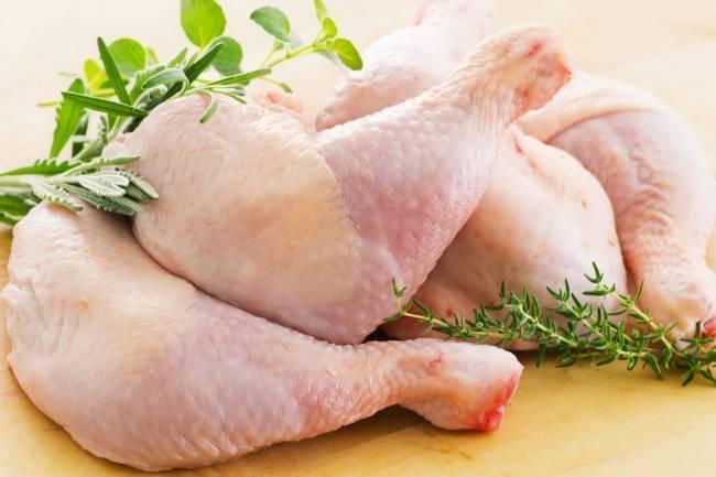 انخفاض واضح في أسعار لحم الفروج وتوقعات بمزيد من الهبوط خلال الايام القادمة