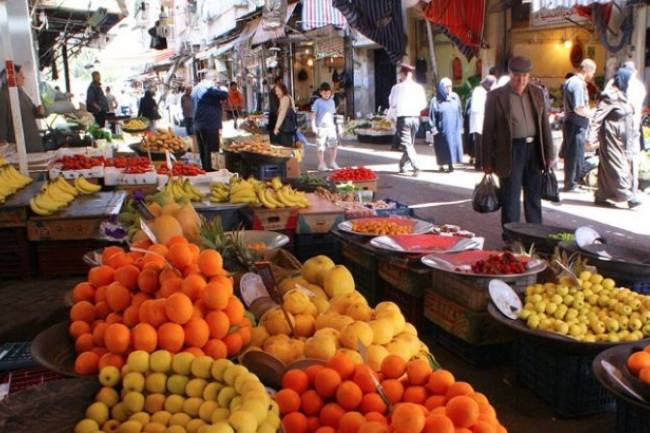 تجار سوق الهال: هذا سبب الارتفاع الجنوني بأسعار الفواكه
