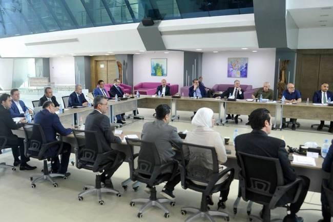 رئيس الحكومة يترأس اجتماع  يبحث سبل تنفيذ السكن البديل لماروتا سيتي بأسرع ما يمكن