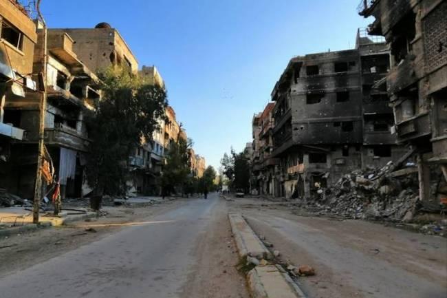 محافظ دمشق : عائلات استلمت منازلها باليرموك وبدأت صيانتها ودراسة منح إذن ترميم للمنازل المتضررة إنشائياً