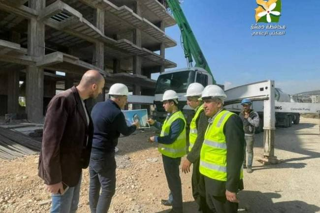 محافظ دمشق يتفقد سير العمل في مشروعي ماروتا سيتي والسكن البديل