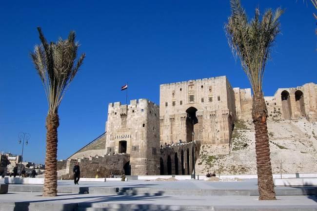 مجموعة القاطرجي ووزارة السياحة يؤسسان شركة لتنفيذ مشروع مجمع المدينة السياحية بحلب
