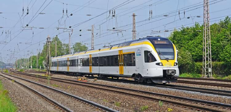 مباحثات لربط سكة حديدية بين سورية والعراق والأردن