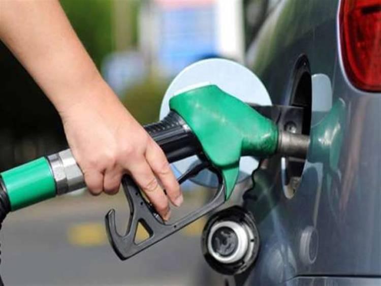 وزارة النفط : تحديد كمية من البنزين بسعر مدعوم للسيارات قيد الدراسة بمجلس الوزراء