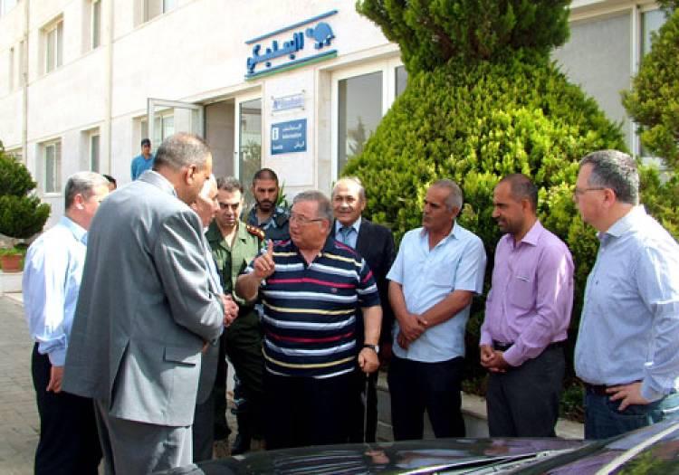 جمع ثروته حول العالم وحملها إلى دمشق