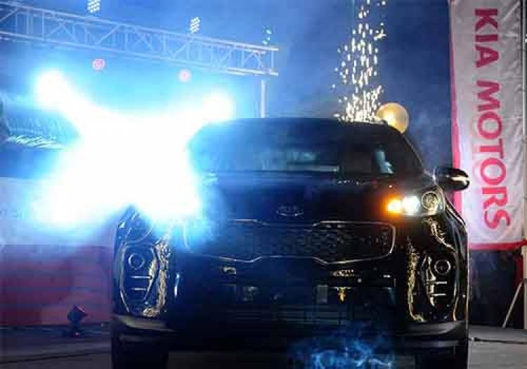 معرض للسيارات الحديثة والمستعملة ضمن مدينة المعارض بدمشق