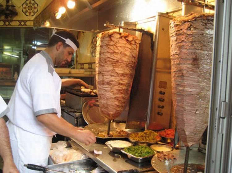 أصحاب مطاعم ومقاهي : زيادة مرتقبة على الأسعار بعد رفع سعر الغاز