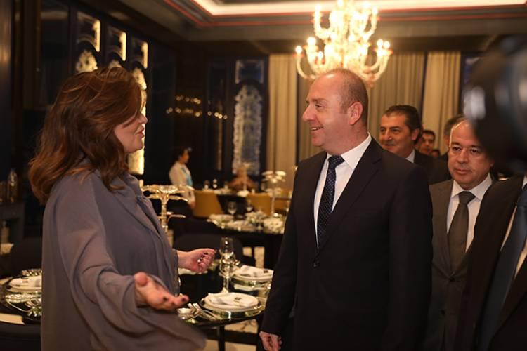 بالصور ..افتتاح مطعم  أم شريف  سورية في الفورسيزنز
