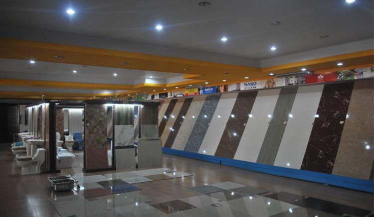 التموين تغلق 56 محل تجاري منها 21 محل سيراميك في منطقة شارع بغداد