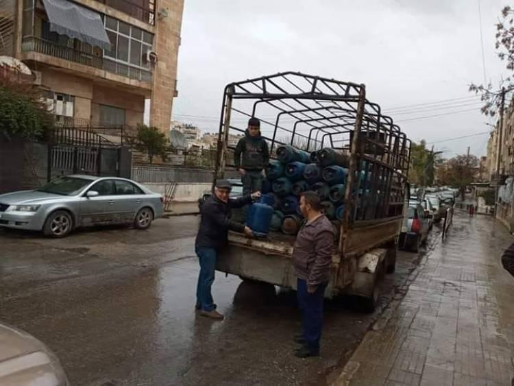 مدير غاز دمشق وريفها: وصول توريدات جديدة من الغاز وتوقع زيادة التوزيع خلال يومين