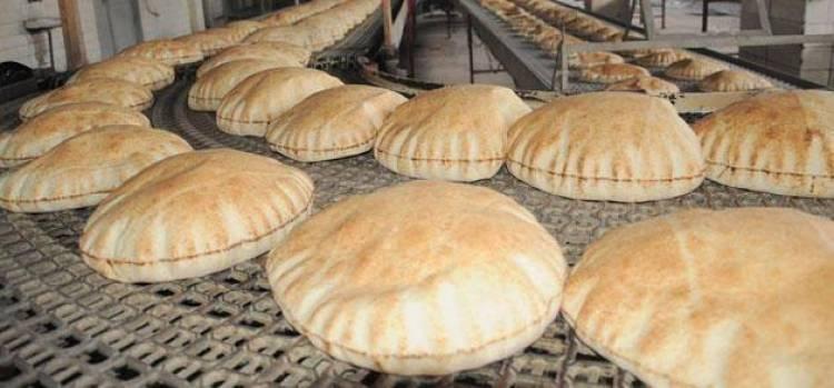 السورية للمخابز تبدأ توزيع الخبز بدمشق عبر الأكشاك وسيارات جوالة