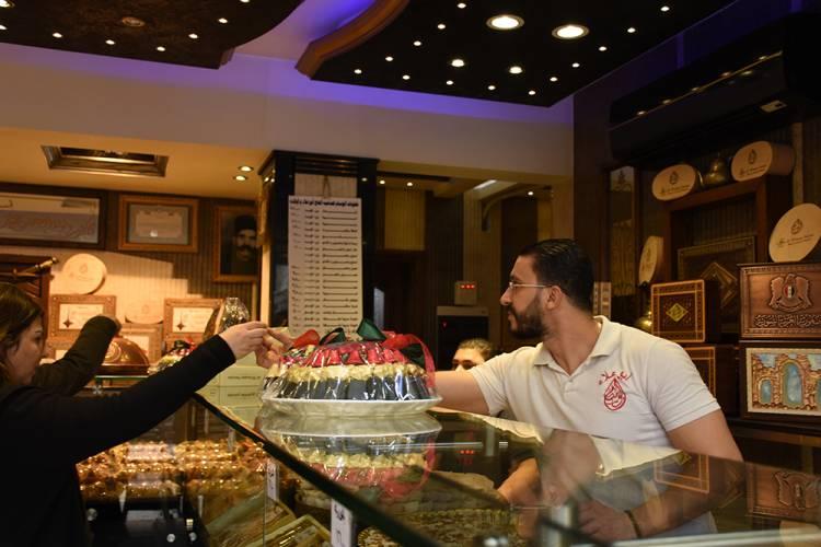 محافظة دمشق تحدد المحلات والمهن التي لن تغلق أبوابها غداً
