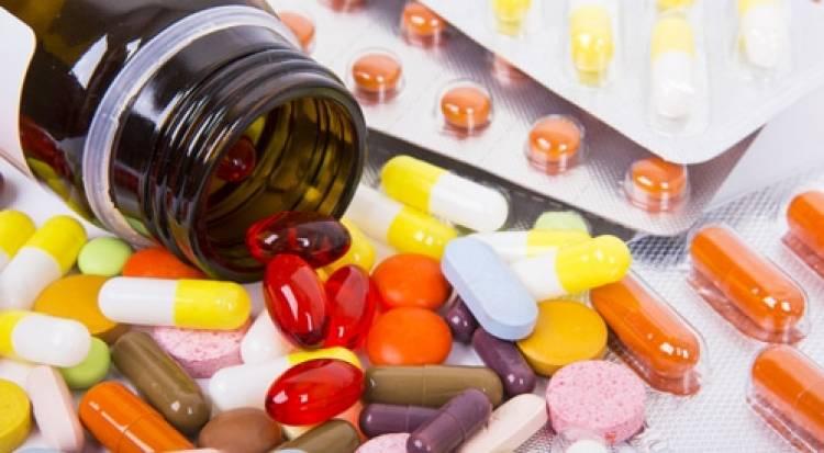 معامل أدوية تطالب برفع الأسعار و تحذر من فقدان بعض الأصناف في حال عدم حدوث ذلك