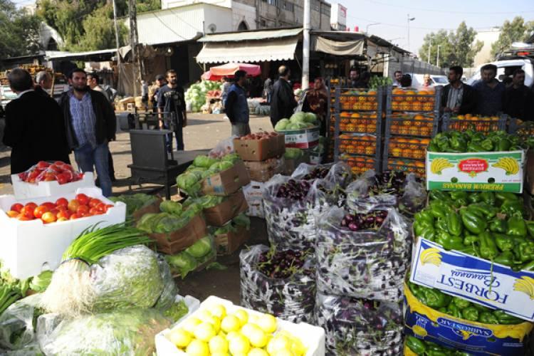 أسعار الخضار ترتفع نحو 70% خلال الأيام الماضية .. البندورة تتجاوز 500 ليرة والخيار 600 ليرة