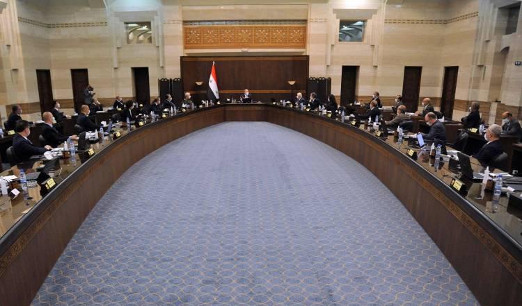 مجلس الوزراء يناقش مشروع قانون جديد للمقاولين يناسب مرحلة إعادة الإعمار